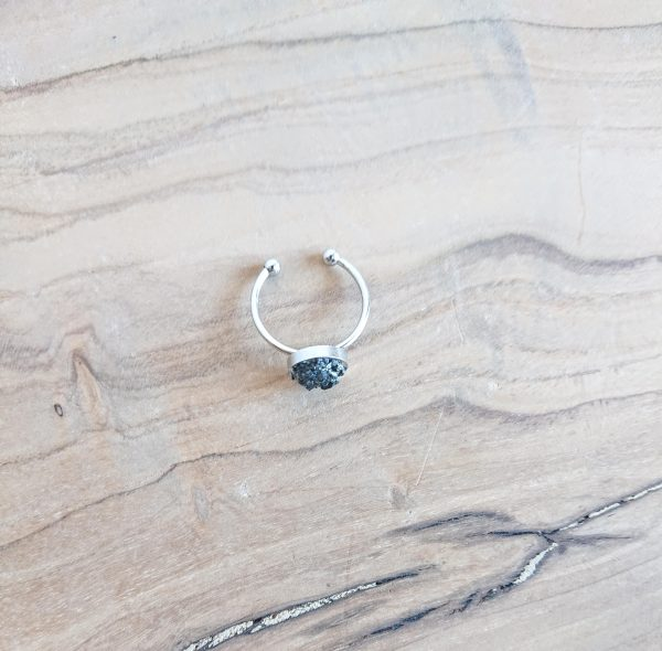 стоманен пръстен с черен турмалин